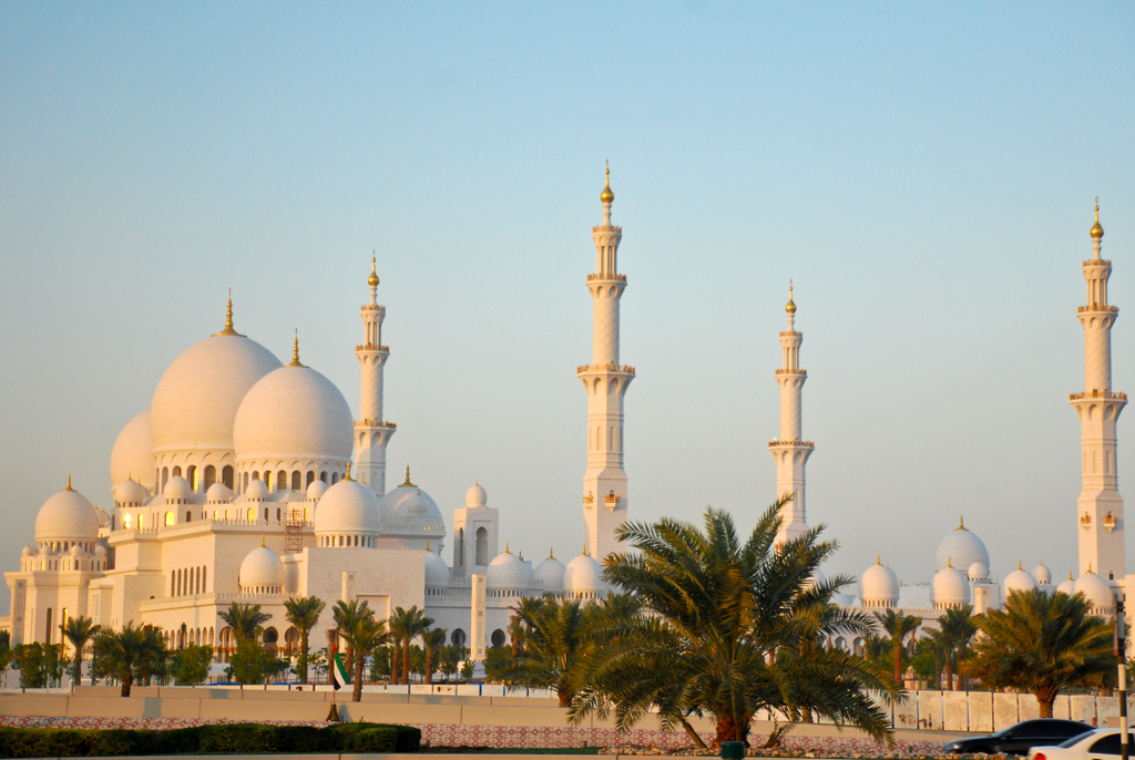 Sheikh zayed grand mosque abu dhabi my blog for Home wallpaper uae